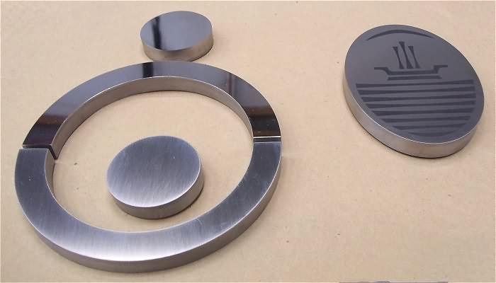 Logos y figuras corporeas de acero inoxidable - Figuras de acero inoxidable ...